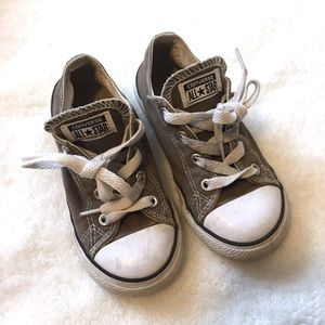 Converse   Gray unisex shoes size 9